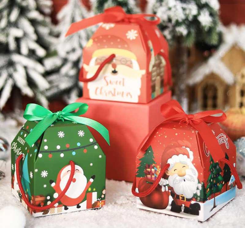 Bring a portable Christmas gift box