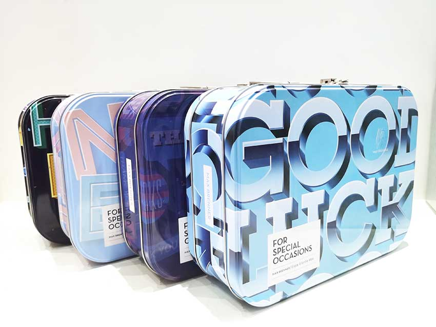 Gift tin box packaging with handle