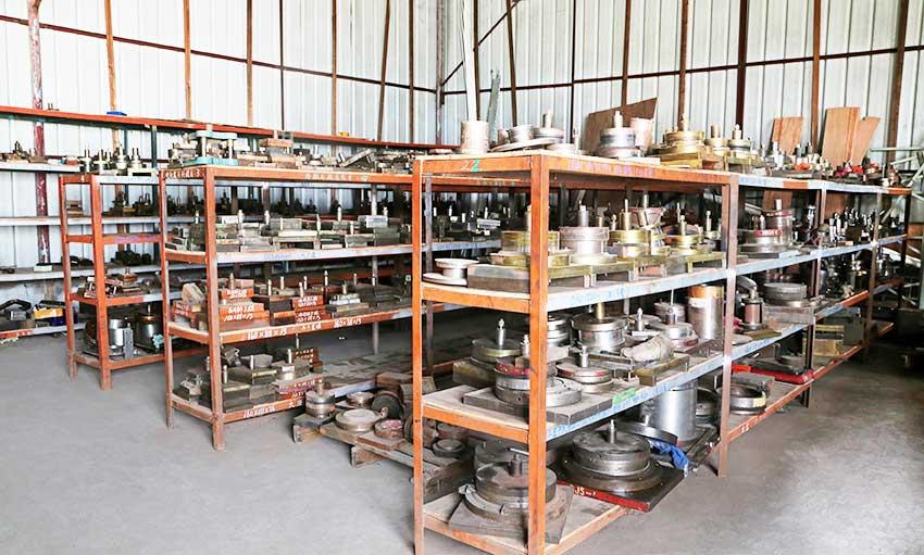 Tin box mold polishing machine